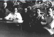 foto de vygotsky com amigos jornalistas