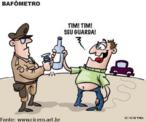 """No Brasil, 40 mil pessoas morrem por ano em acidentes de trânsito, de acordo com o IPEA (Instituto de Pesquisa Econômica Aplicada), o que representa um número de mortes superior a de guerras como, por exemplo, a do Iraque. No entanto, a sociedade não tinha consciência disso. Com a chamada """"Lei Seca"""", a população começou a se conscientizar e a mudar o comportamento.  A lei federal 11.705, batizada de Lei Seca, entrou em vigor no dia 20 de junho de 2008. Desde então, ficou proibido o consumo de bebida alcoólica por motoristas. Quem é pego dirigindo depois de beber é multado em R$ 957,70 e tem a carteira de habilitação retida, podendo ter o direito de dirigir suspenso por 12 meses."""