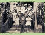 Festival escolar, Grupo Escolar de Tapiratiba, no interior de São Paulo, em 1942.