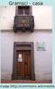 Antonio Gramsci (1891-1936) escritor, político e teórico político. Suas ideias sobre educação surgem particularmente a partir do contexto do papel da cultura e dos intelectuais nos processos de transformação histórica.  Alguns conceitos criados ou valorizados por Gramsci hoje são de uso corrente em várias partes do mundo. Um deles é o de cidadania. Foi ele quem trouxe à discussão pedagógica a conquista da cidadania como um objetivo da escola.  A foto apresenta a casa em que Gramsci passou sua infância, localizada em Ghilarza, na Sardinia. Atualmente neste local encontra-se um museu sobre sua vida.
